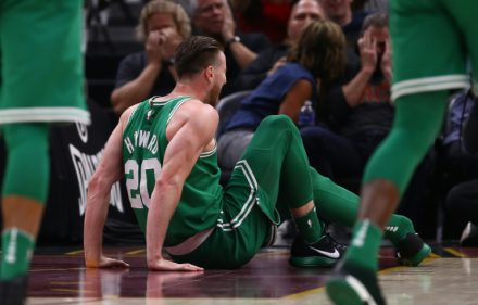 Gordon Hayward broken